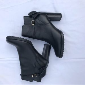 BANANA REPUBLIC BOW BOOTIE leather ankle booties